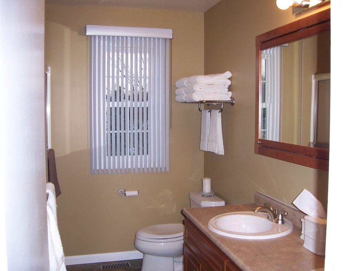 bathroom (vanity)